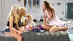 Playful Lesbians - August Ames, Janice Griffith, Carmen Caliente