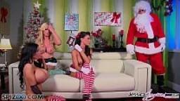 Spizoo - Jessica Jaymes, Nikki Benz and Amy Anderssen fucking Santa's cock