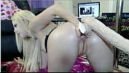 elitegirlcams.com Blonde girl takes huge dildo