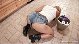 Free Brazzers videos tube - Katja is the new maid at the Strokes residence. After over hearing Criss