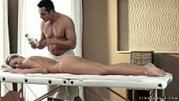 Christen Courtney loves anal massage