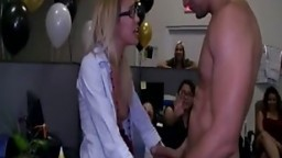 Gigolos With BigCock Gets Oral At Hen Party