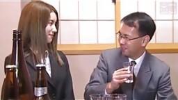 Japanese secretary serves her partner of company (Full: shortina.com/IVCJGbE).